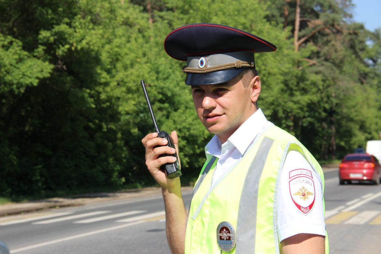 Инспекторы ГИБДД призвали водителей к бдительности в жаркую погоду